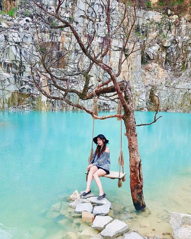 mặt nước trong xanh