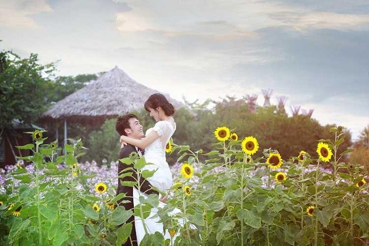 chụp ảnh cưới tại Vườn hoa sông hồng