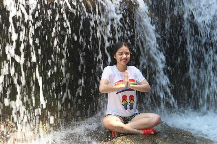 tắm thác