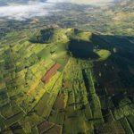 Núi Lửa Chư Đăng Ya là đại ngàn hùng vĩ với rợp sắc hoa Dã Quỳ