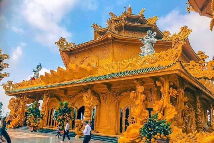 chùa dát vàng phúc lâm