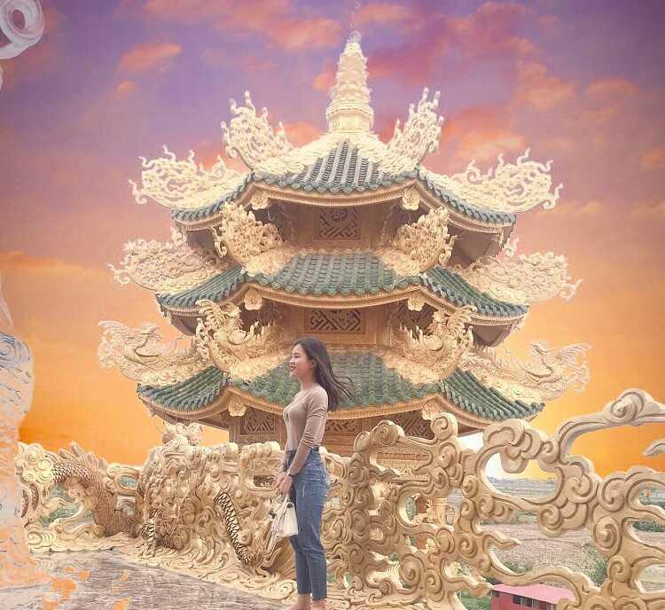 chụp ảnh sống ảo tại chùa Phúc Lâm ở Hưng Yên